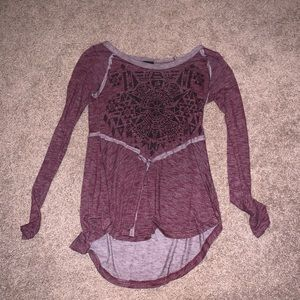 Long Sleeve Top w Detailing in front